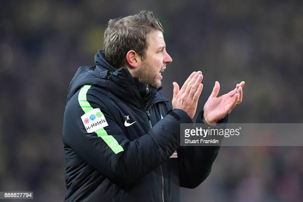 Florian Kohfeldt head coach of Bremen during the Bundesliga match between Borussia Dortmund and SV Werder Bremen at Signal Iduna Park on December 9...