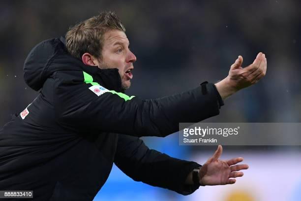Florian Kohfeldt head coach of Bremen gestures and screams during the Bundesliga match between Borussia Dortmund and SV Werder Bremen at Signal Iduna...