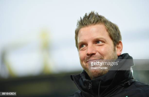 Florian Kohfeldt head coach of Bremen looks on during the Bundesliga match between Borussia Dortmund and SV Werder Bremen at Signal Iduna Park on...