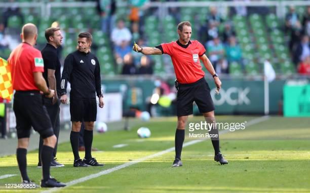 Florian Kohfeldt, Head Coach of Werder Bremen reacts after being shown the yellow card during the Bundesliga match between SV Werder Bremen and...