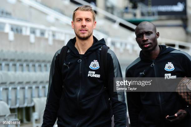 Florian Lejeune of Newcastle United and Mohamed Diame arrives for the Premier League Match between Newcastle United and Chelsea at StJames' Park on...