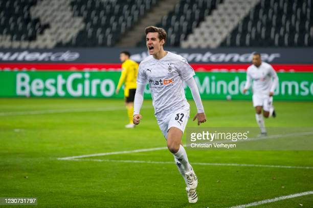 Florian Neuhaus of Borussia Moenchengladbach celebrates his goal which is withdrawn by the VAR during the Bundesliga match between Borussia...