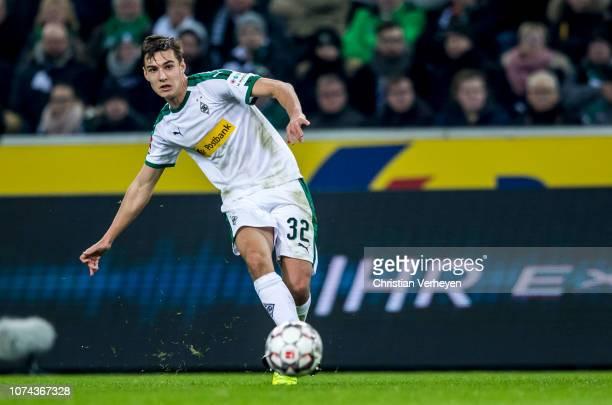 Florian Neuhaus of Borussia Moenchengladbach in action during the Bundesliga match between Borussia Moenchengladbach and 1FC Nuernberg at...