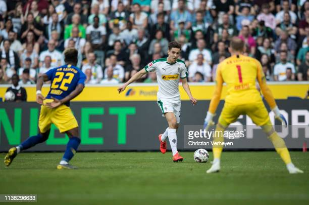 Florian Neuhaus of Borussia Moenchengladbach in action during the Bundesliga match between Borussia Moenchengladbach and RB Leipzig at BorussiaPark...