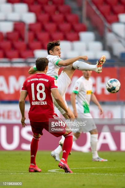 Florian Neuhaus of Borussia Moenchengladbach in action during the Bundesliga match between FC Bayern Muenchen and Borussia Moenchengladbach at...