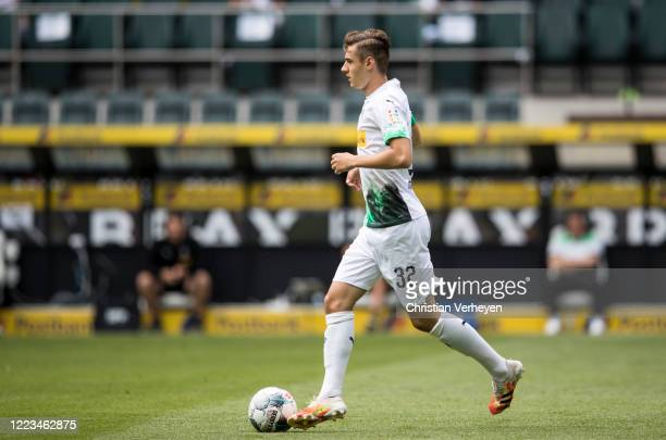 Florian Neuhaus of Borussia Moenchengladbach in action during the Bundesliga match between Borussia Moenchengladbach and Hertha BSC at BorussiaPark...