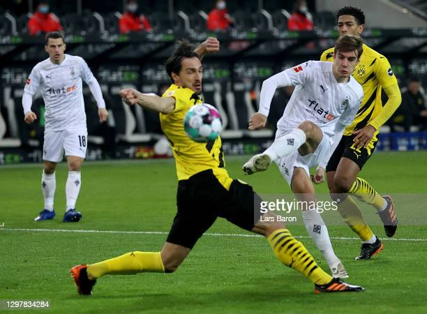 Florian Neuhaus of Gladbach scores the opening goal during the Bundesliga match between Borussia Moenchengladbach and Borussia Dortmund at...