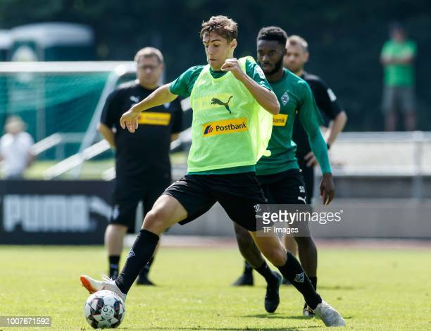 Florian Neuhaus of Moenchengladbach controls the ball during the Borussia Moenchengladbach training camp on July 25 2018 in RottachEgern Germany