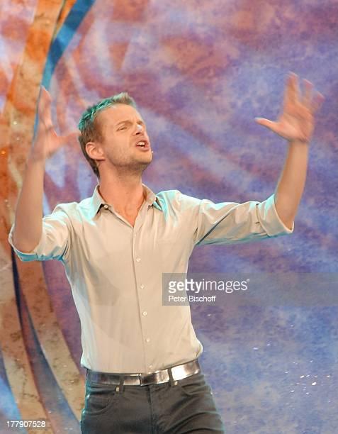 Florian Schroeder TheaterGala 'Das große Kleinkunstfestival für Kabarett Comedy und Musik' der Wühlmäuse 2010 mit Feier zum 75Geburtstag von D i e t...