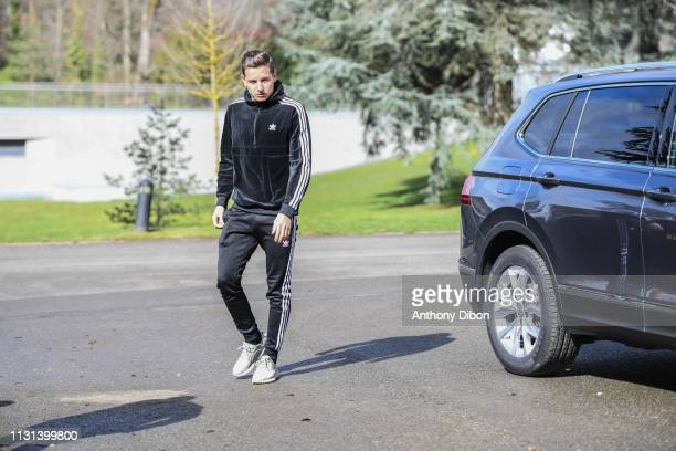 Florian Thauvin of France arrives at on March 18 2019 in ClairefontaineenYvelines France