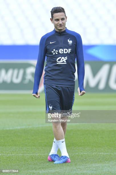 Florian Thauvin of France warmup during the practice session before the match between France and Spain at the Stade de France on March 27 2017 in...
