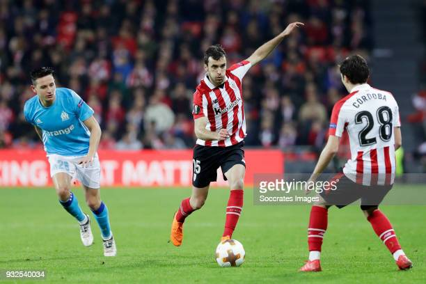 Florian Thauvin of Olympique Marseille Inigo Lekue of Athletic Bilbao during the UEFA Europa League match between Athletic de Bilbao v Olympique...
