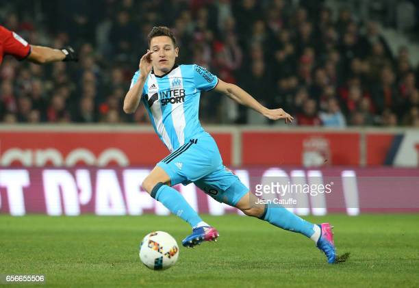 Florian Thauvin of OM in action during the Ligue 1 match between Lille OSC and Olympique de Marseille at Stade PierreMauroy on March 17 2017 in Lille...