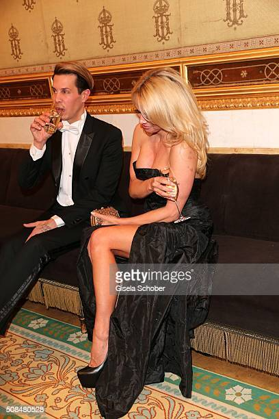 Florian Wess and Pamela Anderson during the Opera Ball Vienna 2016 at Vienna State Opera on February 4 2016 in Vienna Austria