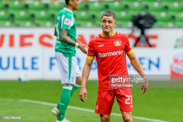 Florian Wirtz of Bayer 04 Leverkusen looks dejected during the Bundesliga match between SV Werder Bremen and Bayer 04 Leverkusen at Wohninvest...