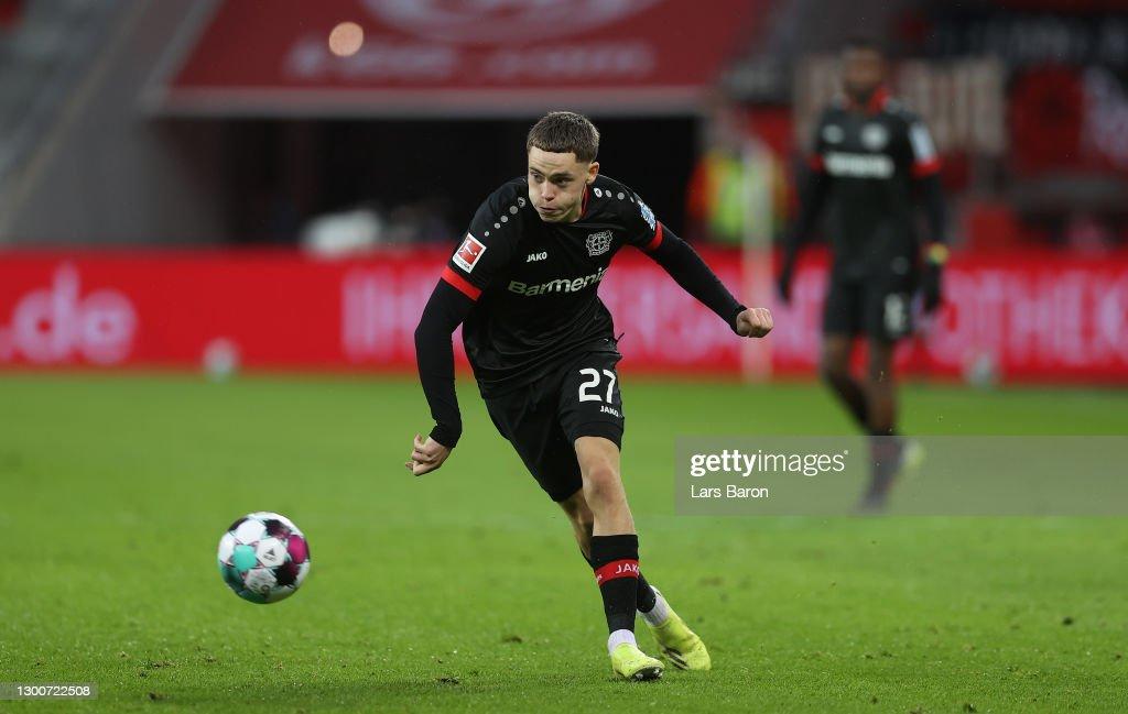 Bayer 04 Leverkusen v VfB Stuttgart - Bundesliga : ニュース写真