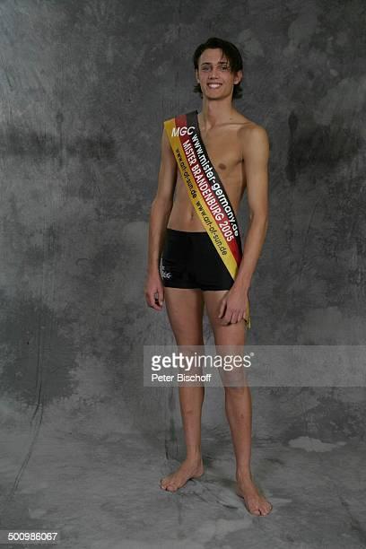Florian Wolf Wahl zum Mister Germany 2005/06 Linstow Deutschland PNr 1649/2005 Van der Valk Resort Sieger nackter Oberkörper Schärpe Badehose...
