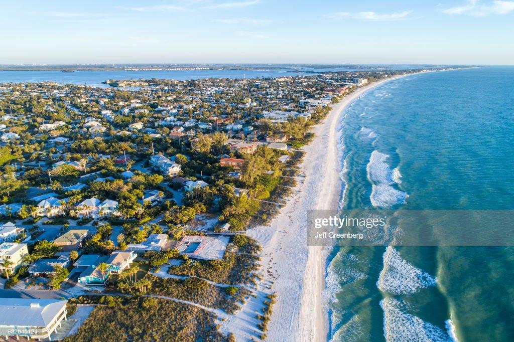 Florida, Anna Maria Island, Holmes Beach, Gulf of Mexico with beachfront homes : News Photo