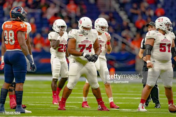 Florida Atlantic Owls offensive lineman Deon Humphrey lines up during the game between the Florida Atlantic Owls and the UTSA Roadrunners on November...