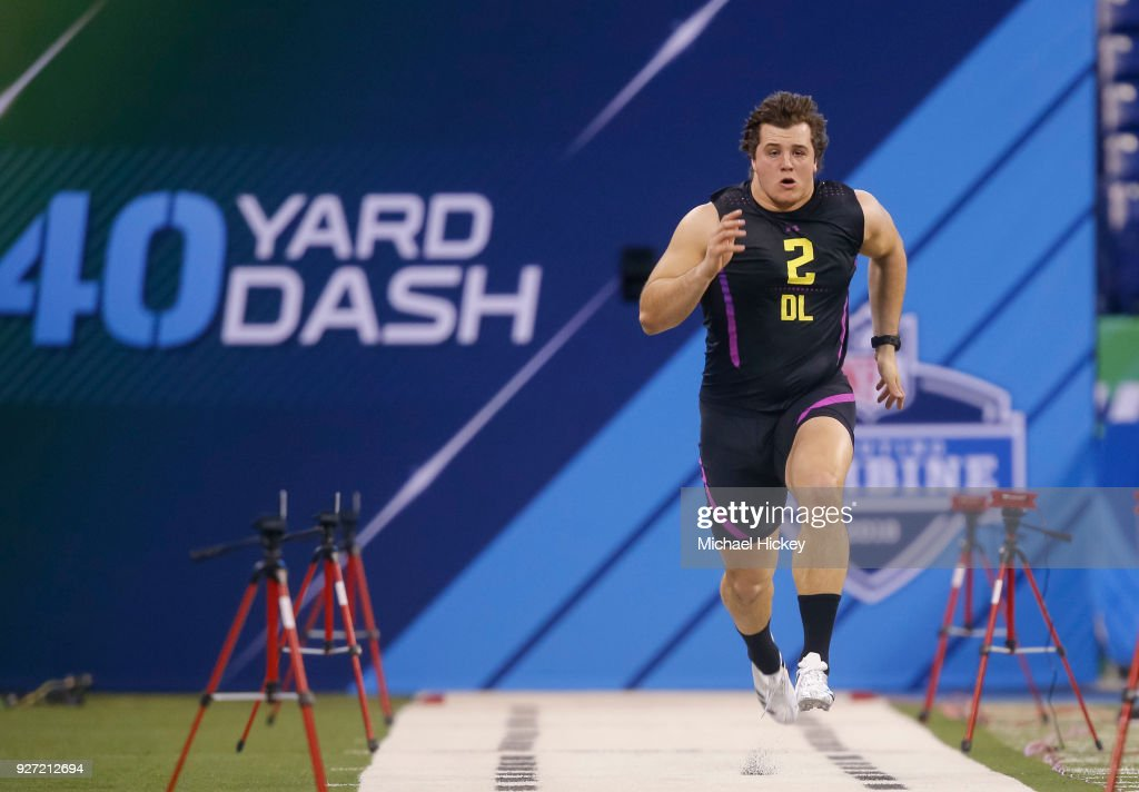 Florida defensive lineman Taven Bryan (DL02) runs in the 40 yard dash at Lucas Oil Stadium on March 4, 2018 in Indianapolis, Indiana.