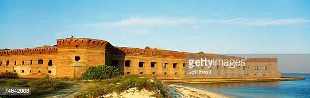 usa, florida, dry tortugas national park, fort jefferson, view of a state building on the coast - dry tortugas stock pictures, royalty-free photos & images