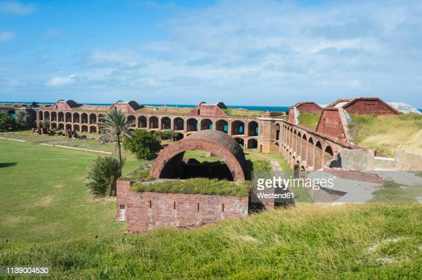 usa, florida, florida keys, dry tortugas national park, overlook over fort jefferson - dry tortugas stock pictures, royalty-free photos & images