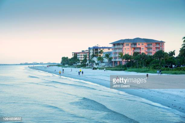 florida, fort myers beach, estero island, gulf of mexico - fort myers beach stock pictures, royalty-free photos & images