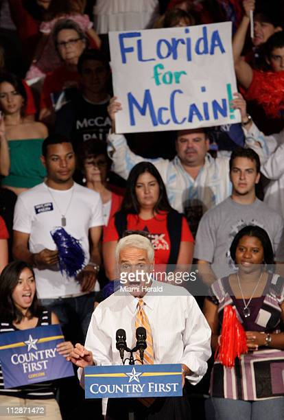 Florida Governor Charlie Crist warms up the crowd for Sen John McCain at a Road to Victory Rally at FIU Arena on the Florida International University...