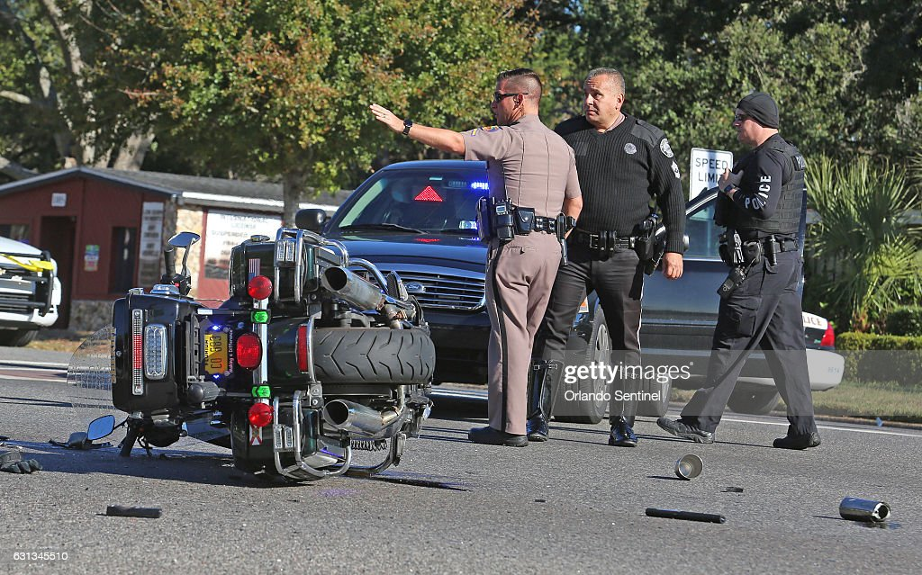 Orlando police officer shot and killed deputy dies in crash during florida highway patrol troopers secure the scene monday jan 9 2017 after a publicscrutiny Images