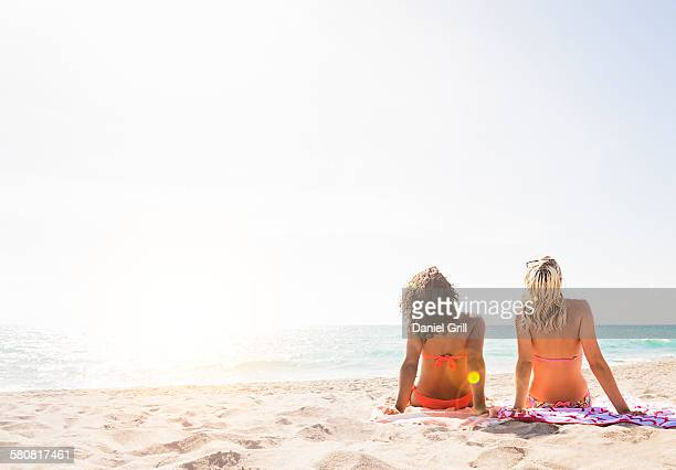 USA, Florida, Jupiter, Female friends on beach