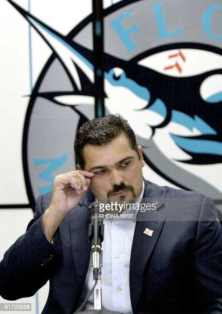 Florida Marlins' pitcher Alex Fernandez announces his retirement to the media 26 September 2001 at Pro Player Stadium in Miami FL Fernandez signed...
