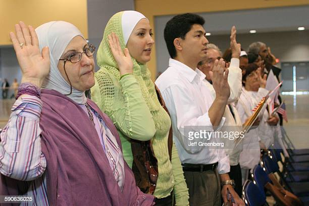 Florida Miami Beach Convention Center Us Citizenship Ceremony New Citizens Muslim Women Pledge Of Allegiance