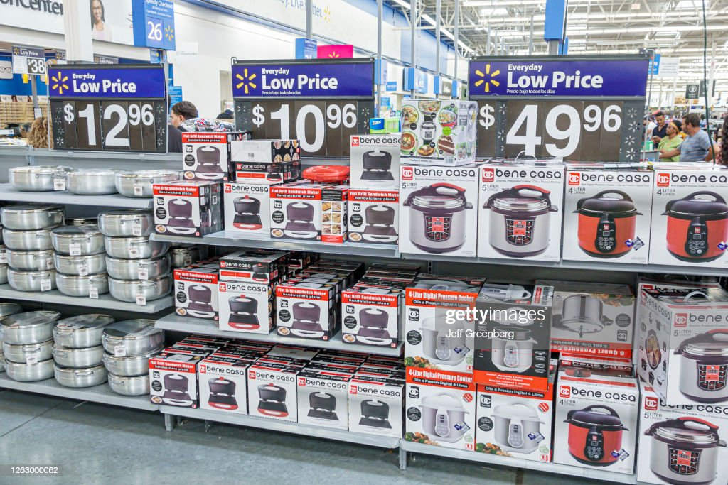 Florida, Miami Beach, Wal-Mart, cookware aisle, panini press, electric pressure cooker : News Photo