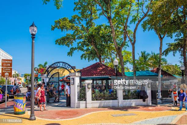 florida (us) - miami, little havana - maximo gomez park - social history stock pictures, royalty-free photos & images