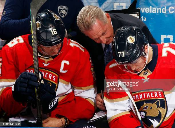Florida Panthers Assistant Coach Mike Kitchen maps out a plan with Aleksander Barkov and Frank Vatrano in the third period against the New York...