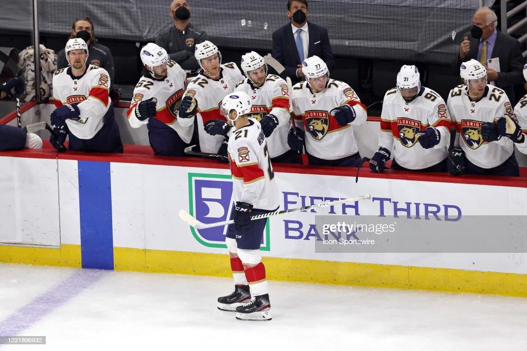 NHL: MAR 23 Panthers at Blackhawks : News Photo