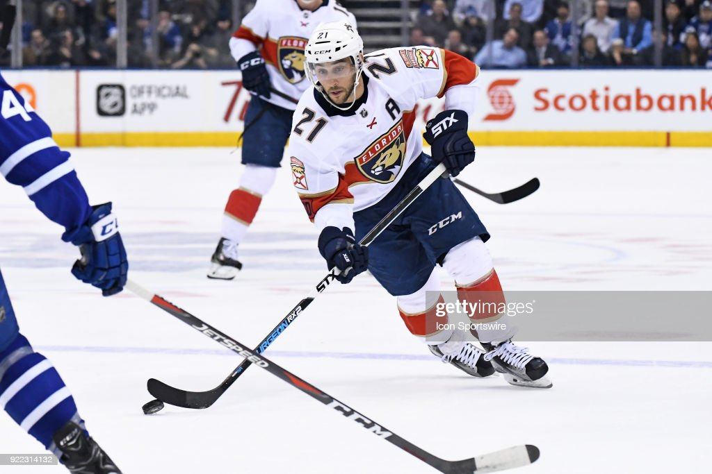 Florida Panthers Center Vincent Trocheck (21) controls the puck during the regular season NHL game between The Florida Panthers and Toronto Maple Leafs on February 20, 2018 at Air Canada Centre in Toronto, ON.