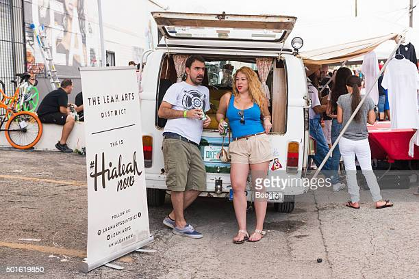 Florida personnes au Hialeah maintenant Community Arts Festival