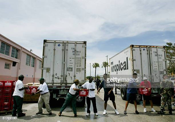 Florida Residents Get Supplies After Hurricane Francis