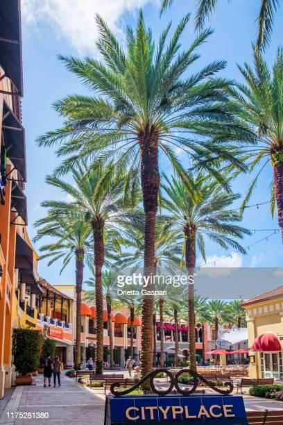 フロリダ州 (アメリカ) - ウェストパームビーチ, シティプレイス - ローズマリースクエア - ウェストパームビーチ ストックフォトと画像