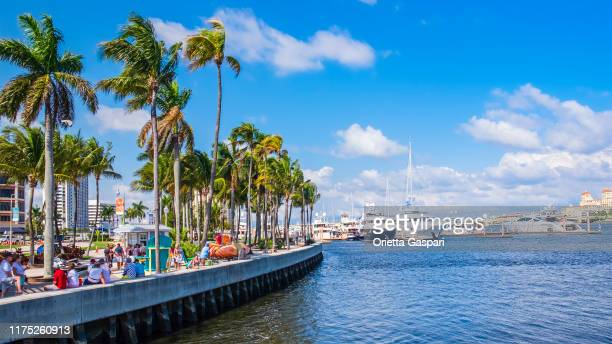 Port Of Palm Beach Photos Et Images