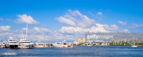 florida (us) - west palm beach, palm harbor marina - palm harbor fotografías e imágenes de stock