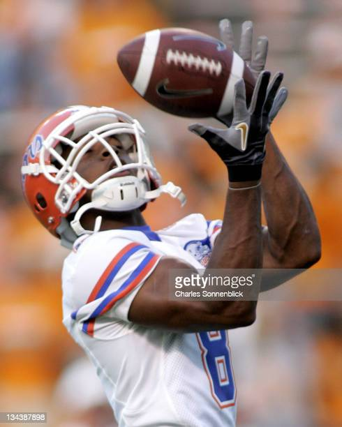 Florida wide receiver Percy Harvin catches a pass in practice before the game against Tennesse on September 16 2006 at Neyland Stadium in Knoxville...