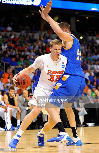 Florida's Erik Murphy controls the ball against UC Santa Barbara's Greg Somogyi during secondhalf action in the second round of the men's NCAA...
