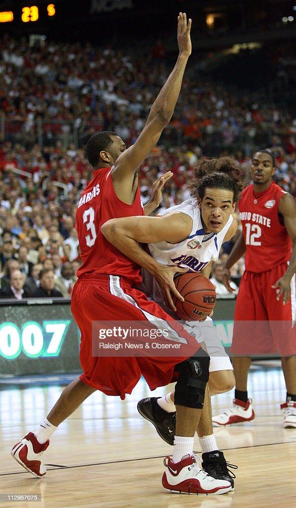 nouvelle arrivee ed82c f60b7 Florida's Joakim Noah drives to the basket as Ohio State's ...