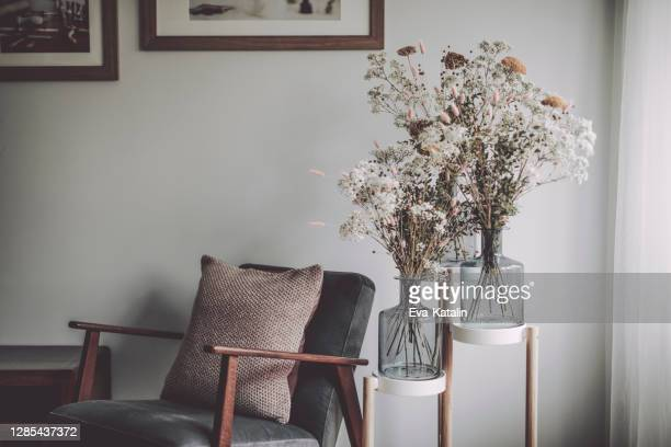 flower arrangement - indoors stock pictures, royalty-free photos & images