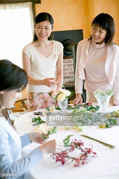 flower arrangement - フラワーアレンジメント ストックフォトと画像