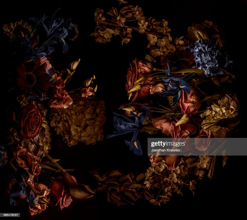 Flower arrangement, shot from above : Stock Photo
