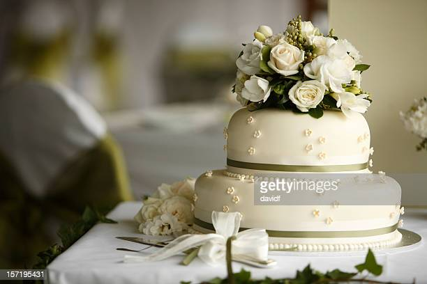 flower cake - wedding reception stock pictures, royalty-free photos & images