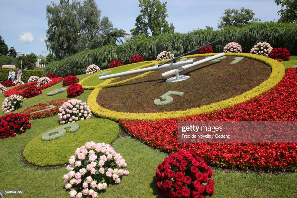Flower Clock Lhorloge Fleurie On The Edge Of Jardin Anglais